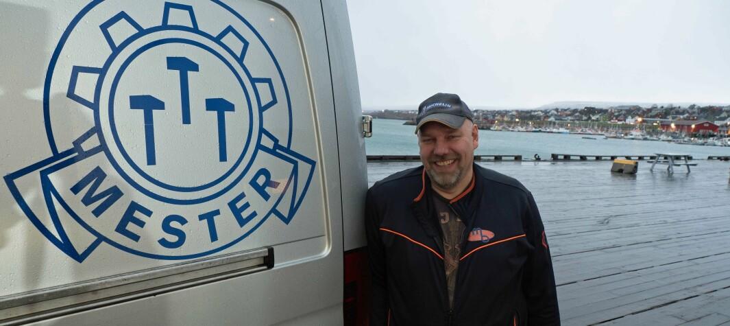 Hans-Jacob Bønå er ferdig med mesterbilen og malerjobben.